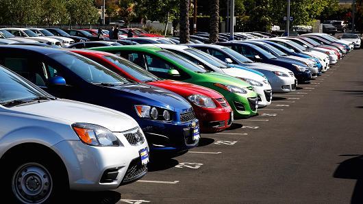 Sælg din bil hurtigt via en online bilportal