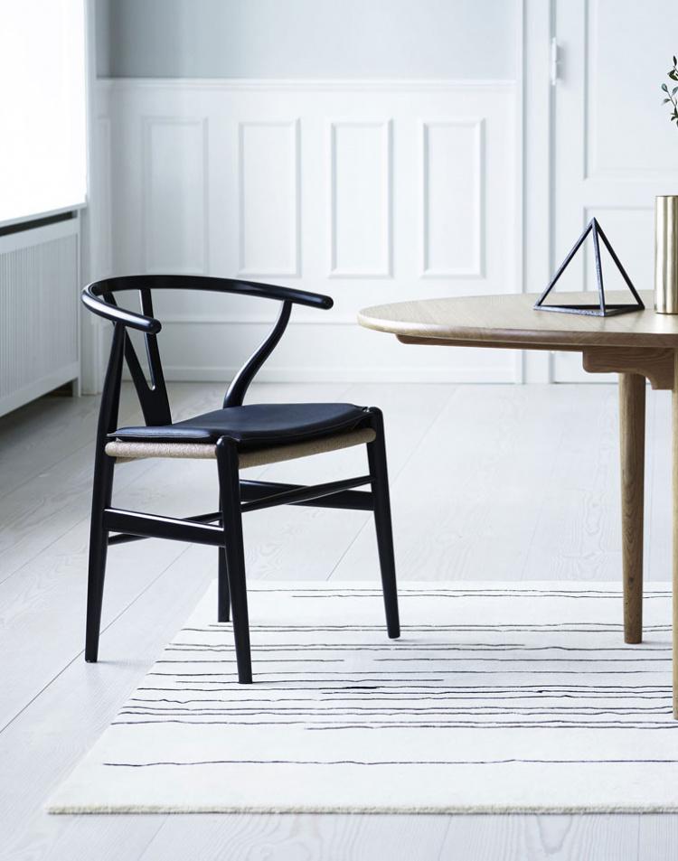 Giv dine stole et lækkert look med læderhynder