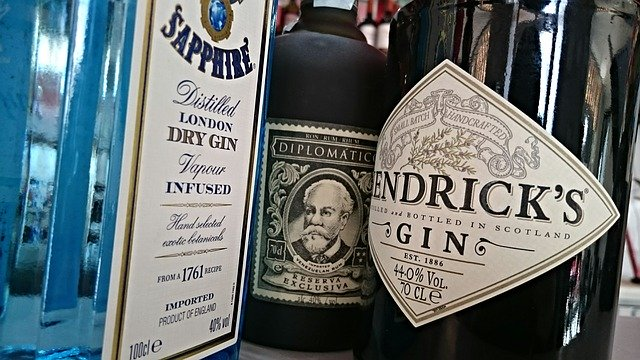Guide: Lær mere om de forskellige variationer af gin her!